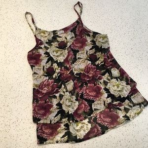 ✨3/$20✨Kismet Floral Lightweight Ruffle Camisole